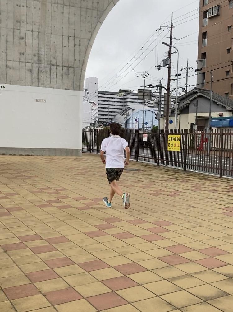 兵庫県川西市の川沿いで走り方ランニング教室